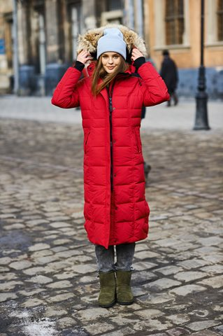 Women's Luxury Winter Coats Dress in Style for the Canadian Cold dsc 9870